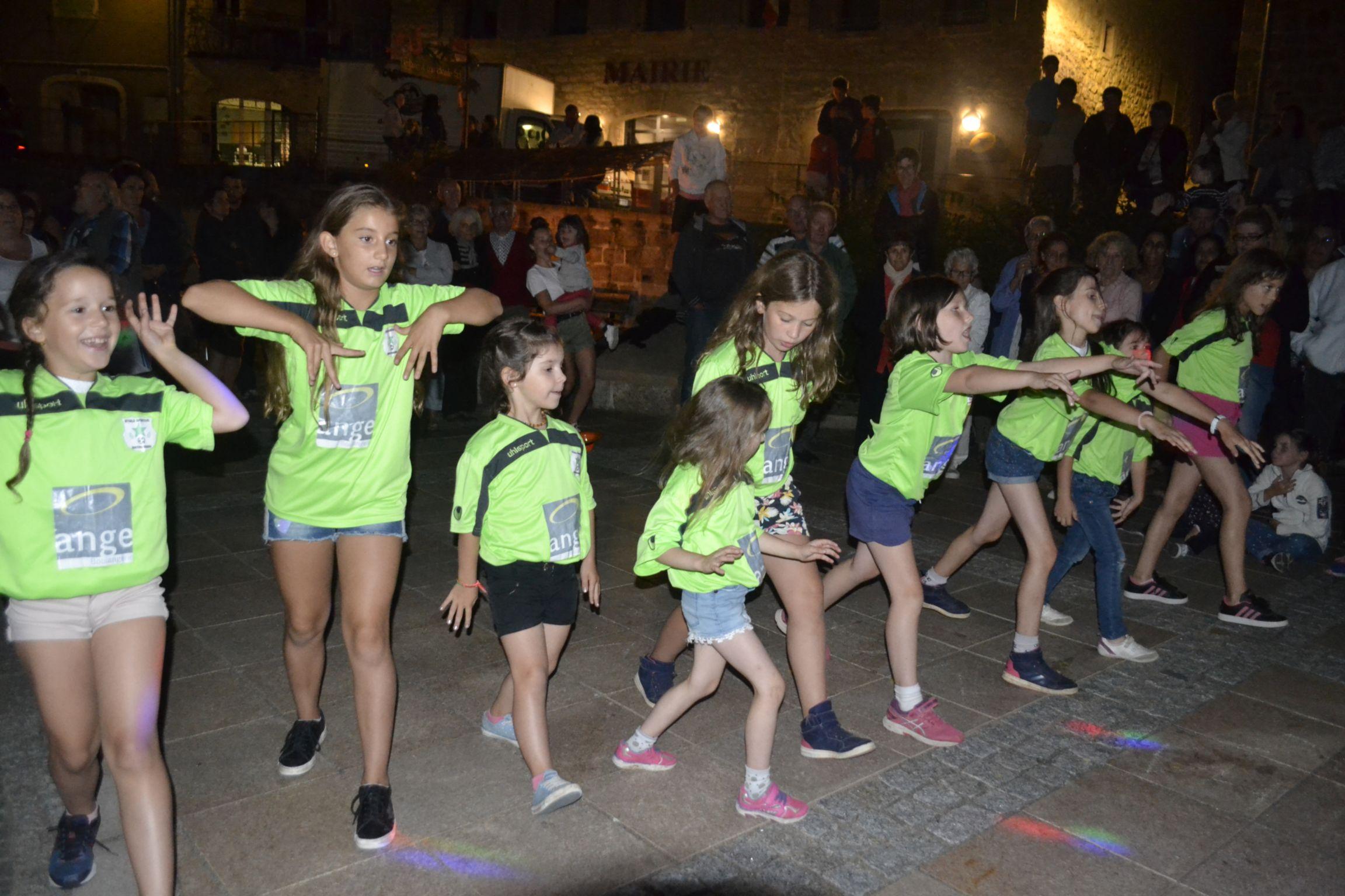 DANCE ST LAU